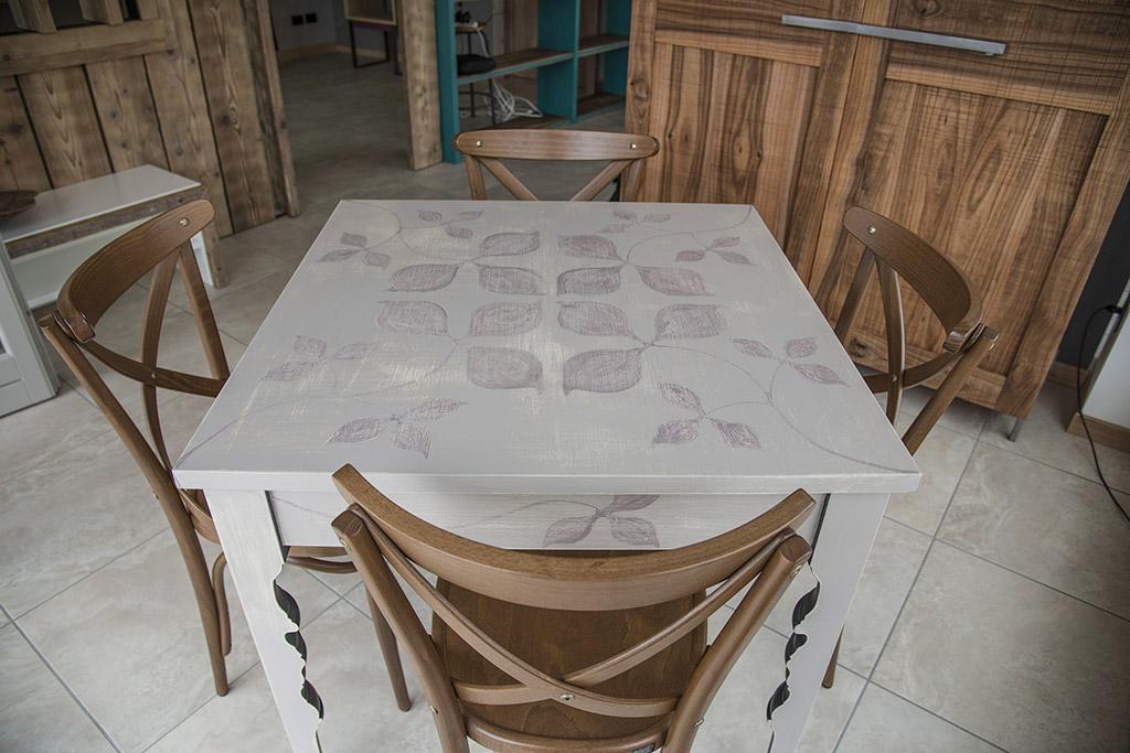 Restauro mobili e infissi in legno falegnameria samuelli - Restauro mobili antichi tecniche ...