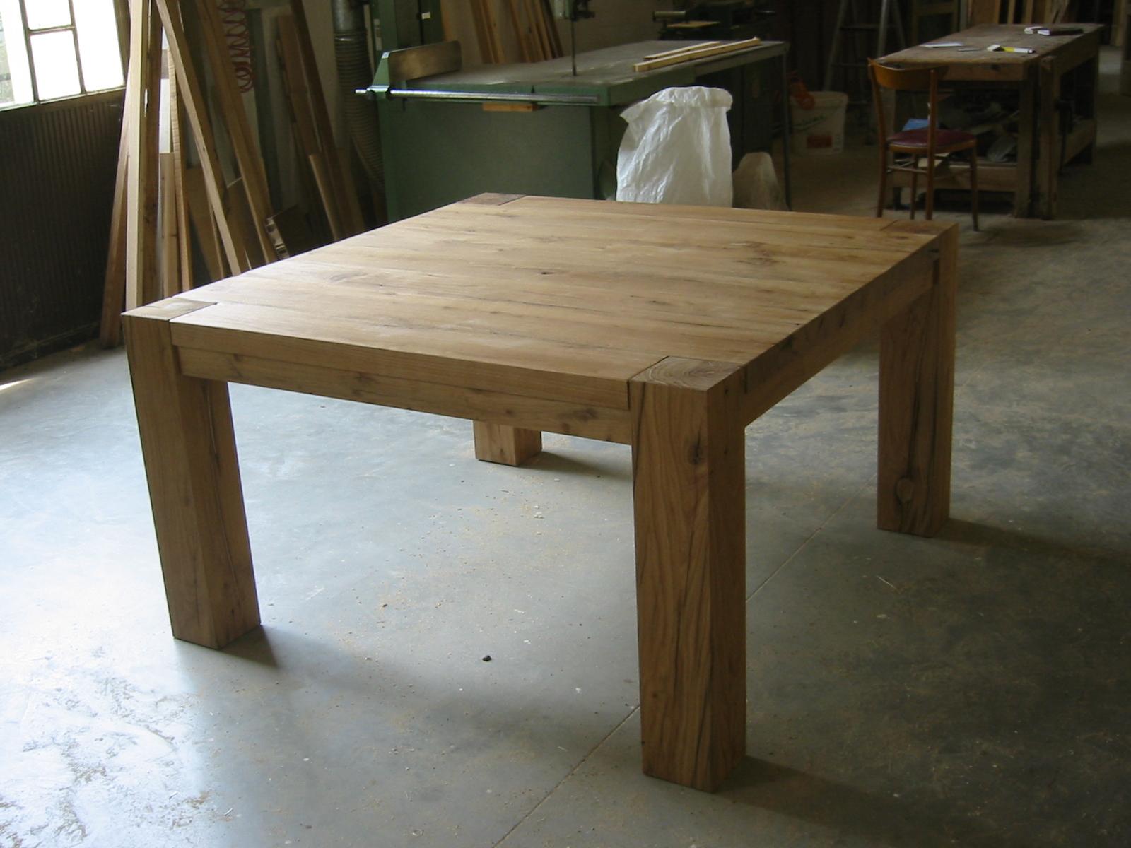 Sedie e tavoli in legno falegnameria samuelli dello for Tavolo cucina e sedie
