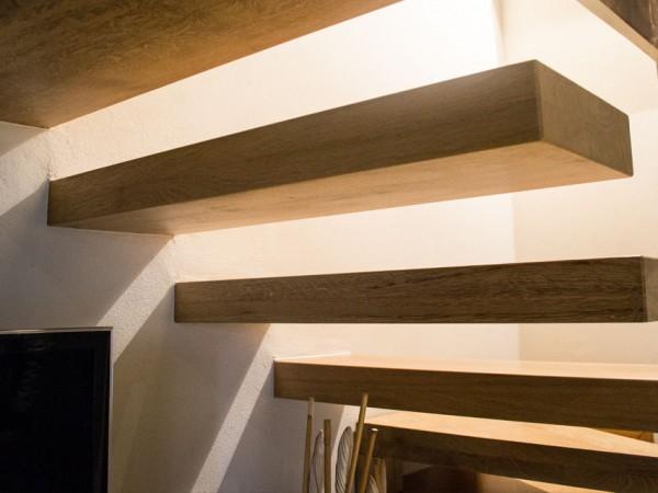 Scala in legno massello