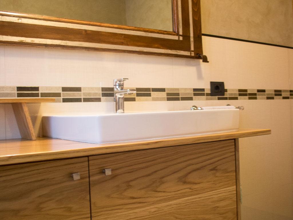 Mobili arredo bagno in legno su misura falegnameria for Arredo bagno brescia